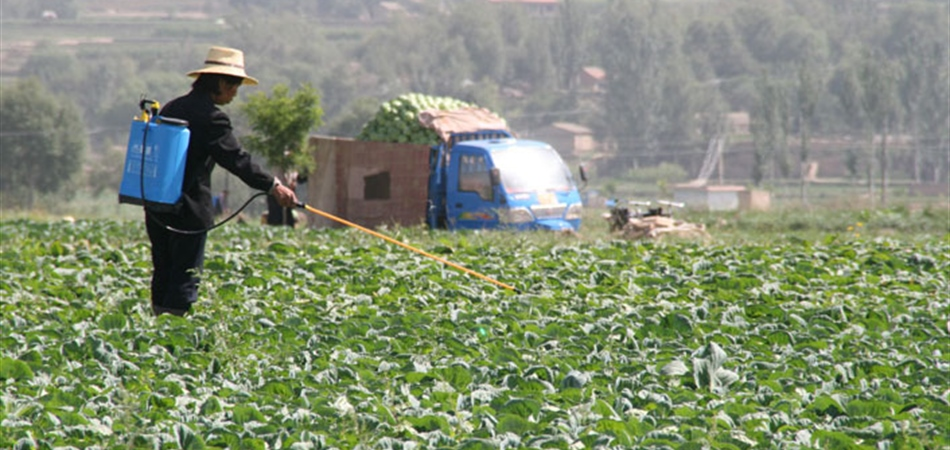 Funding to fight drug and pesticide resistance